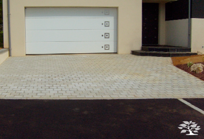 20-paysagiste-entree-garage-paves_1429003213.png